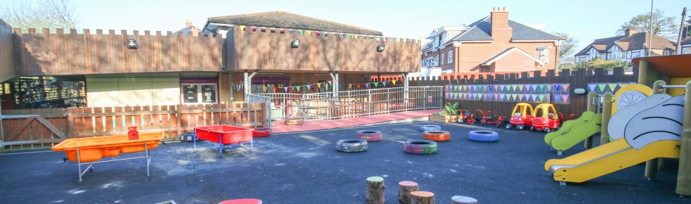 Bright Little Stars Nursery Mill Hill - main garden banner